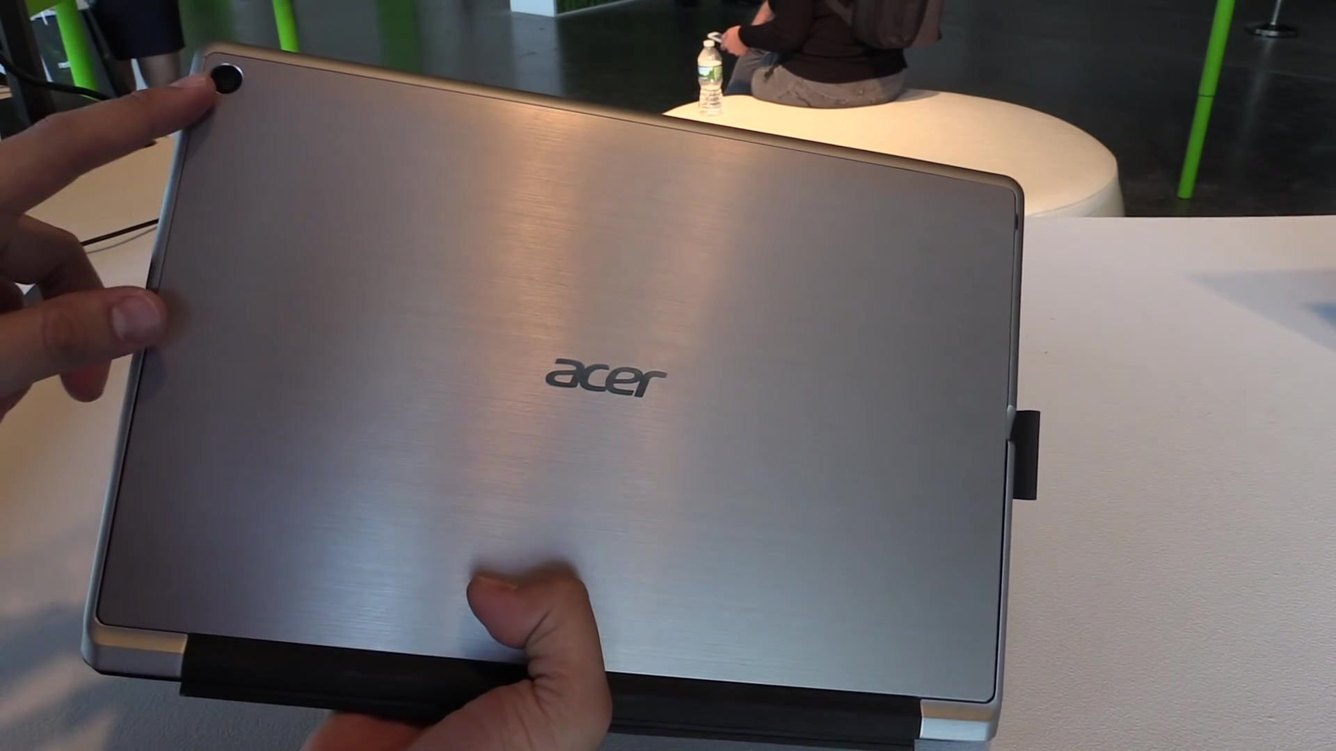 Acer Switch Alpha 12 Aluminum Case and wide angle camera