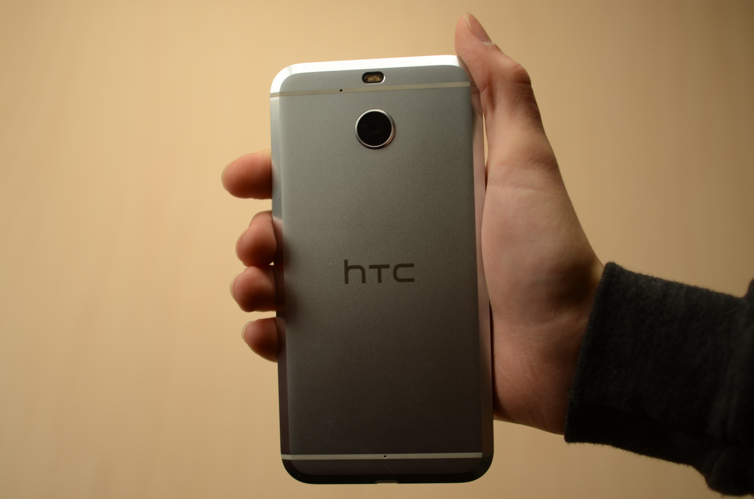 htc-bolt-hardware